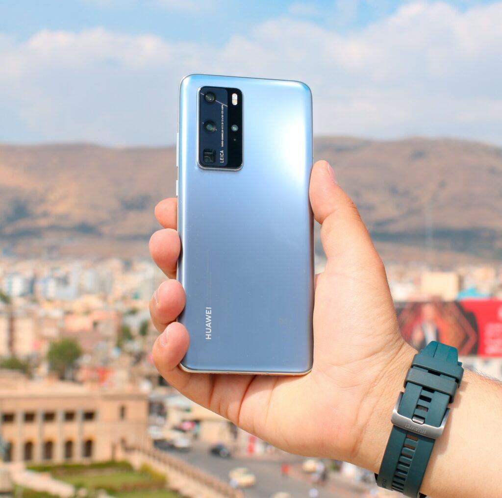 美國華為禁令影響手機銷售,也間接影響到大立光業績