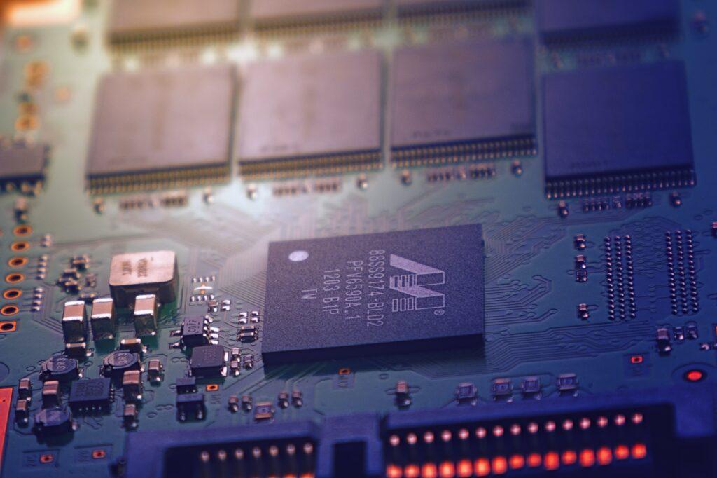 PCB題材受惠於5G發展